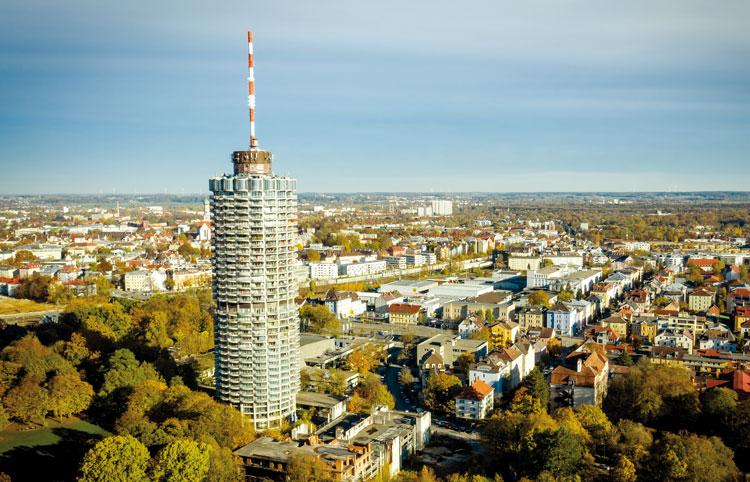 Vogelperspektive vom Augsburger Hotelturm mit Umgebung