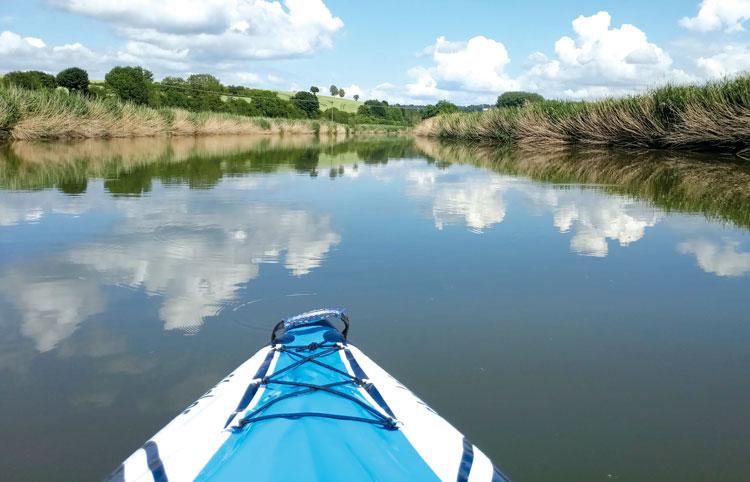 Kanu auf einem Fluss